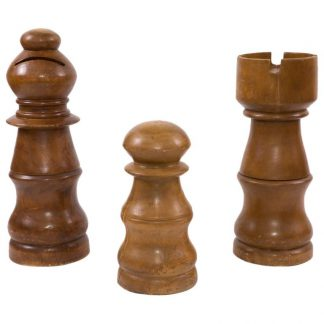Life-Size-Chess-Pieces-1